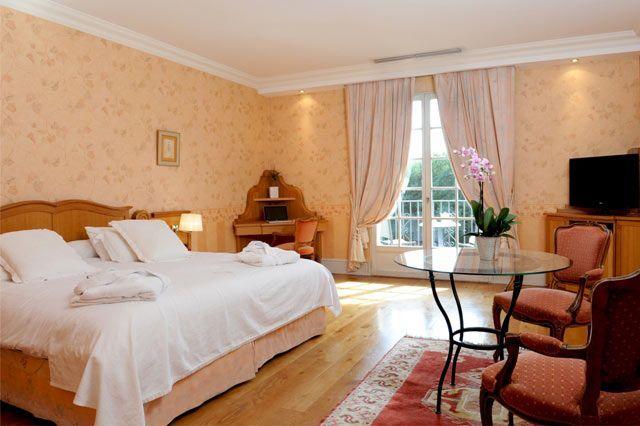 HOTEL CHATEAU DE BRINDOS - 5*